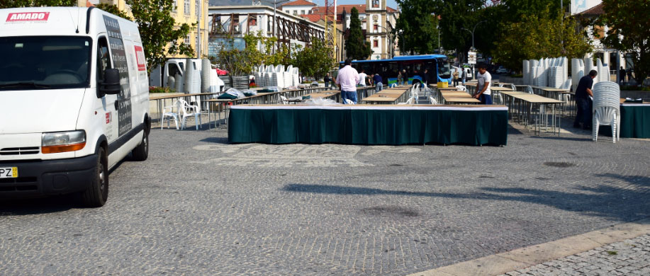 Aluguer de mesas e cadeiras para festas e eventos
