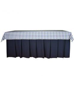 saia azul e toalha quadrados azuis
