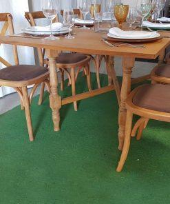 mesa de madeira retangular